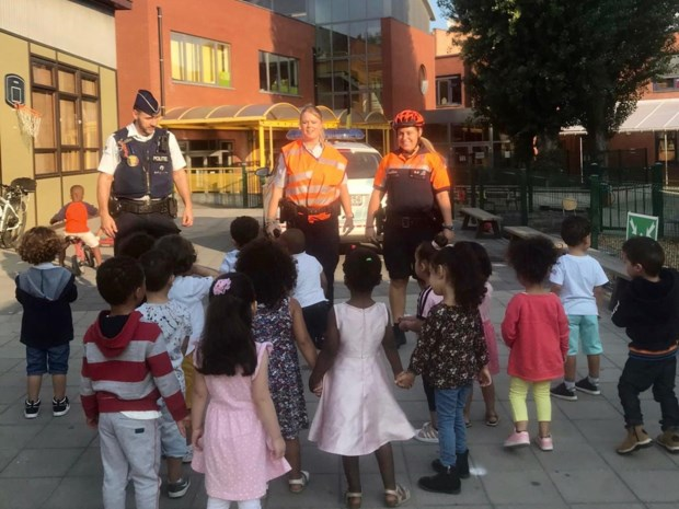 Allerkleinsten maken kennis met de wijkpolitie