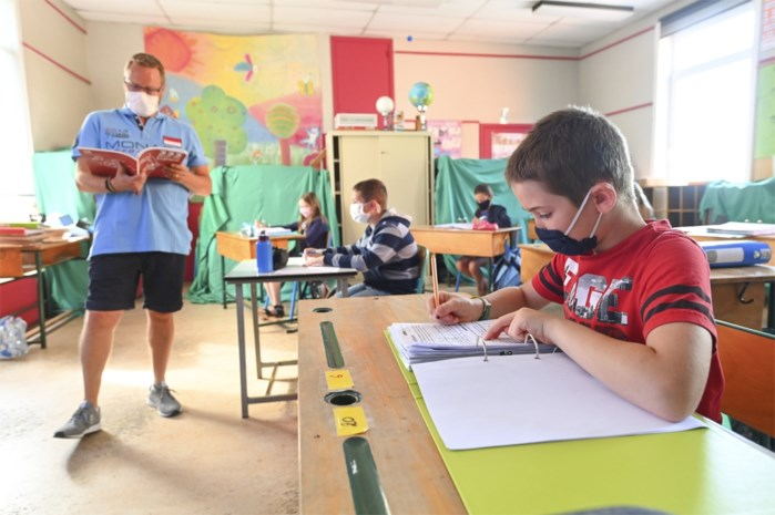 Middelbare scholen in Gent dan toch deels naar thuisonderwijs? Crisiscel moet beslissen