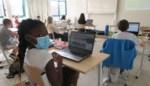 """Bijna alle middelbare scholen moeten klassen in quarantaine zetten: """"Geen paniek omdat CLB regie stevig in handen heeft"""""""
