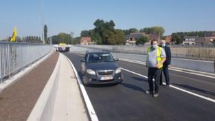Nieuwe tunnel in Hansbeke officieel geopend