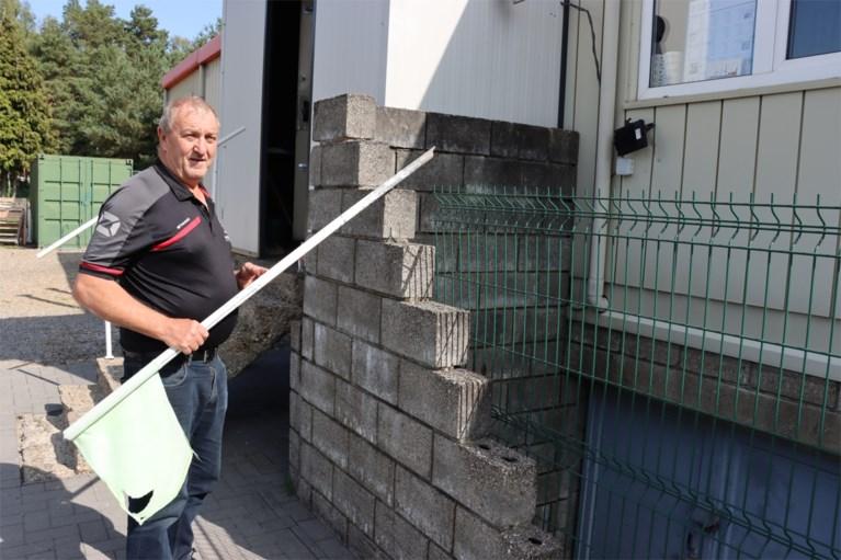 """Zoveelste inbraak in voetbalkantine in Opgrimbie: """"Moeten bekenden zijn"""""""