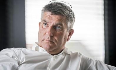 """Na drie weken 'vrijgelaten', maar toch nog halve week in cel: makelaar van Kevin De Bruyne is pas """"eerstdaags"""" thuis met enkelband"""