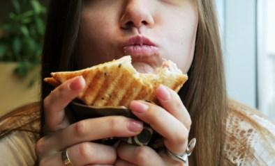 """Belg bekroond op """"Nobelprijzen"""" voor onderzoek naar agressie door slurp- en smakgeluiden"""