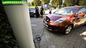 """Touring: """"Enkel elektrische bedrijfswagens vanaf 2026 is te vroeg"""""""