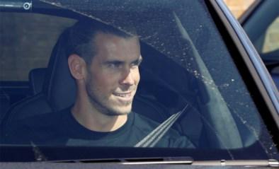 <I>Touchdown</I> in Londen: Gareth Bale lacht de tanden bloot bij terugkeer naar Tottenham