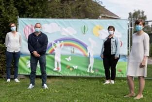 Zucht van opluchting: bewoners van WZC Herfstvreugde mogen meer bezoek ontvangen