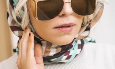 """JULIE VAN DEN STEEN is opnieuw single: """"Leuk, zo'n vrouw met pit, zeggen mannen. Tot we een relatie beginnen"""""""