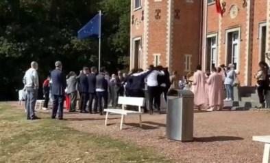 Filmpje van bruiloftsgasten die alle coronaregels breken aan gemeentehuis zet kwaad bloed