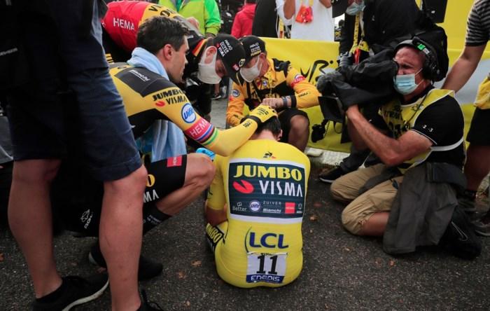"""Jumbo-Visma verliest de Tour: """"Verbijsterd, zwaar teleurgesteld, een harde klap"""""""