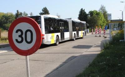"""Van rustige centrumstraat naar racebaan door omleiding: """"Zelfs de bussen houden zich niet in vlakbij kleuterschooltje"""""""