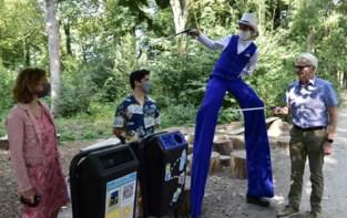 """Nieuwe PMD-vuilnisbakken in Vrijbroekpark: """"Mondmaskers worden zelfs op rustbanken achtergelaten"""""""