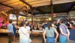 BV's en BB's geven rondleiding aan bezoekers van Museum voor Natuurwetenschappen
