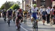 """Danny van Poppel snelt naar winst in Gooikse Pijl, Philippe Gilbert in laatste rechte lijn gegrepen: """"Lastig jaar achter de rug"""""""