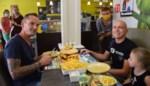 Hamburger van vier kilo in halfuur naar binnen werken lukt niet: eerste duo's falen bij 'Bocadio-challenge'<BR />