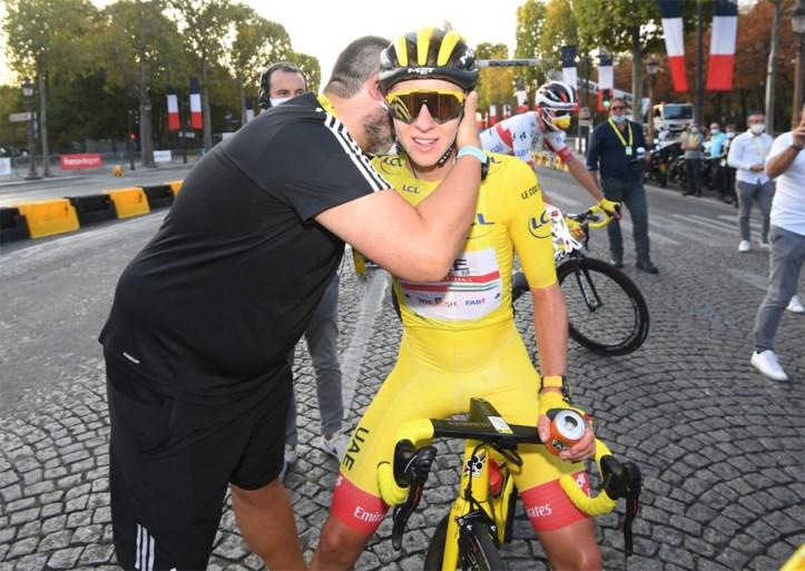 """Sam Bennett na groene trui en zege op Champs-Elysées: """"Ik had slechte benen, maar Dries Devenyns sleurde me erdoorheen"""""""