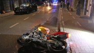 Motorrijder zwaargewond na frontale klap<BR />