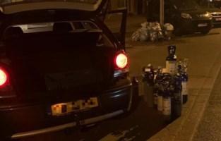 17 flessen lachgas gevonden in Waterschei