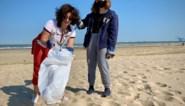"""Meer dan 3.000 liter afval van strand gehaald tijdens alternatief voor Clean Beach Cup: """"Bijna 500 mensen deden mee"""""""