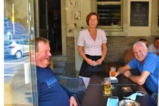 """Sabine neemt na 28 jaar noodgedwongen afscheid van haar café: """"Mijn gezondheid gaat voor""""<BR />"""