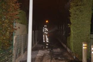 Haagbrand veroorzaakt schade aan twee villa's