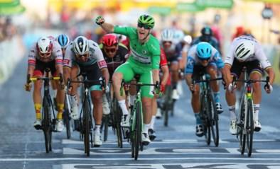 Uitslag etappe 21 Tour de France. Sam Bennett eert groene trui met sprintzege op de Champs-Elysées