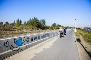 Mascotte Corneel wordt even graffitispuiter op Linkeroever