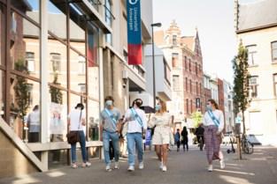 Students on Stage: Sint-Jansplein maakt plaats voor bubbelfeestjes op kot