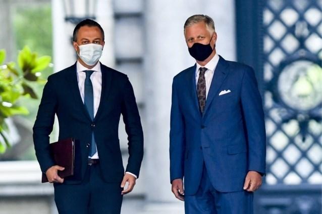 LIVE. Koning weigert ontslag van preformateurs Lachaert en Rousseau, en verlengt hun opdracht
