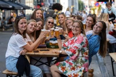 De Gentse studentenbuurt leeft weer: terrassen Overpoort op eerste dag al vol