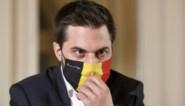 """""""Hij doet arrogant, komt te laat en stokt elke discussie"""": hoe Bouchez de """"constructieve"""" onderhandelsfeer volledig afbreekt"""