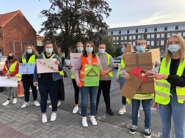 Zesdejaars Sint-Jozefsinstituut maken medeleerlingen bewust in het verkeer