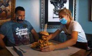 Brasschatenaar buffelt monsterhamburger van anderhalve kilo binnen in halfuur