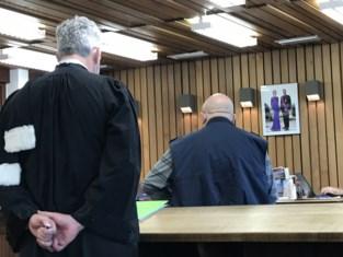 """75-jarige man riskeert celstraf voor misbruik van jonge vrouw in ziekenhuis: """"Hij had écht gevoelens voor haar"""""""