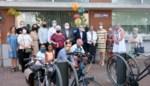 Buurtbewoners huldigen 'Ratelpleintje' in ter ere van Bernard (90)
