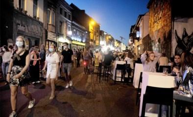 Gentse Overpoort loopt meteen weer vol, politie grijpt in: straat afgesloten en cafés gevraagd vroeger te sluiten