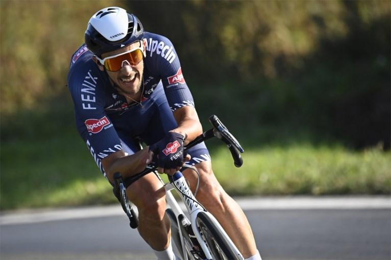 Het blijft in de ploeg: Dries De Bondt kroont zich met late uitval verrassend tot Belgisch kampioen op de weg