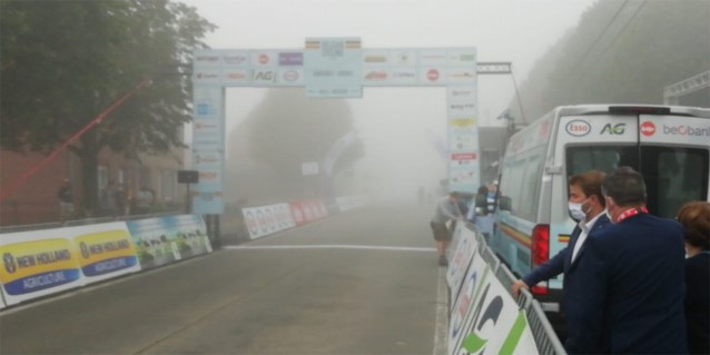 Mist zorgt even voor twijfel, maar BK wielrennen voor vrouwen start toch probleemloos