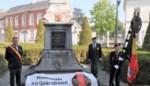 Burgemeester en Nationale Strijdersbond huldigen oorlogshelden