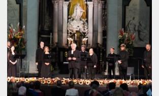 FOTO. Vorstenpaar én unieke compositie geven Gents koor hemels verjaardagscadeau
