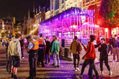 Knuffels, kussen en verboden kotfeestjes: ook met Leuvense studenten had politie de handen vol
