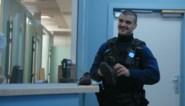 """Gentse politie helpt dakloze vrouw aan kledij: """"Verkies je Gucci of Louis Vuitton?"""""""