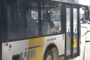 Fietsertje (7) botst tegen lijnbus