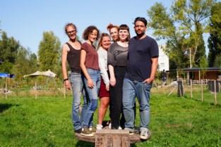 """Het boerderijtje in Mariakerke dat uitgebluste jongeren uit de jeugdhulp opvangt: """"Alles mag hier, niets moet"""""""