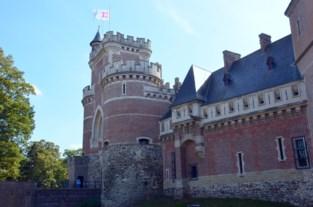 Eerste van negen wandelzondagen loopt door kasteelparken