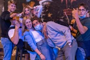 FOTO. Hoe ging het er eigenlijk aan toe in de Overpoort maandagavond?