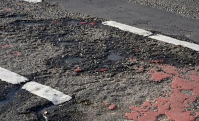 """Helft van onze fietspaden voldoet niet aan regels, 1.800 kilometer zelfs in """"zeer slechte"""" staat"""