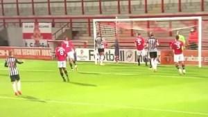 Newcastle-spits kon vanop de doellijn een hattrick scoren… maar deed dat niet