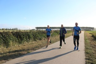 """Bart organiseert de allereerste marathon in de polder, pal in zijn achtertuin: """"Dit is al jarenlang mijn eigen trainingsparcours"""""""