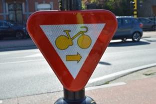 Fietsers mogen nu ook in Deinze rechtsaf slaan bij rood