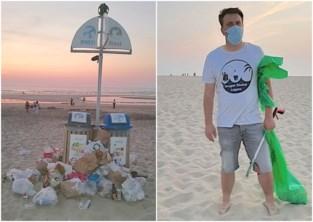 """Almaar meer zwerfvuil op strand: """"De afvalbakken zijn niet geschikt"""""""